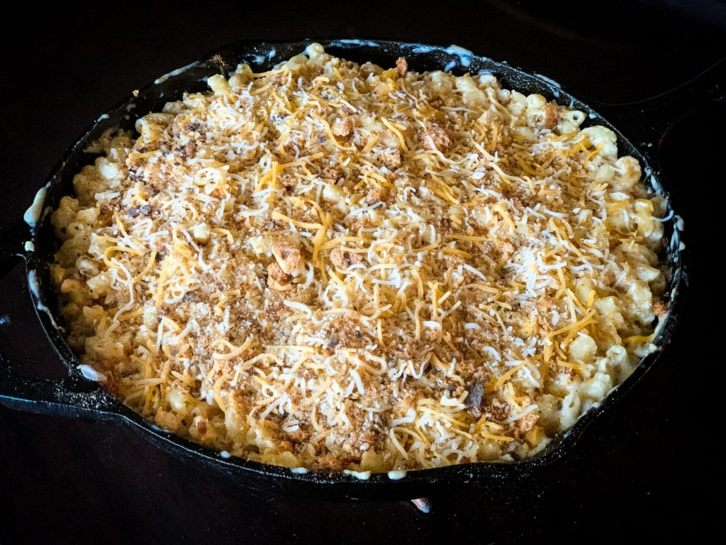 Cast iron skilled of smoked mac and cheese