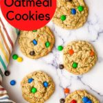a photo of oatmeal cookies