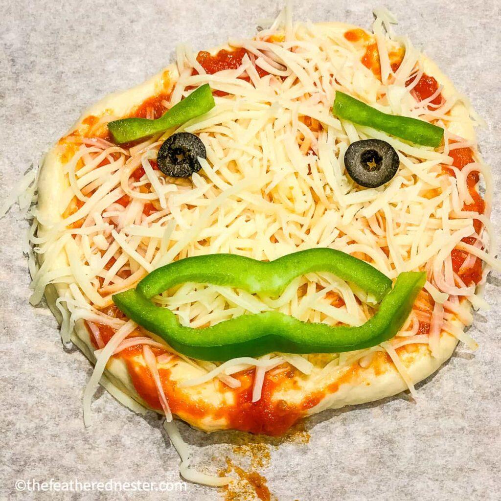 pumpkin mini pizza for halloween